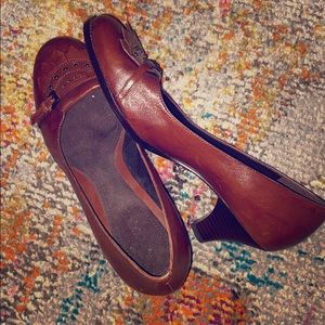 Aerosoles comfort Cuban heel Oxfords 8.5